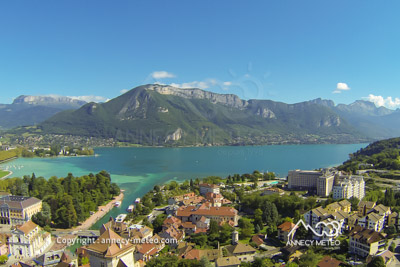 annecy et son lac vu du ciel meteo annecy annecy vu du ciel temp rature du lac. Black Bedroom Furniture Sets. Home Design Ideas