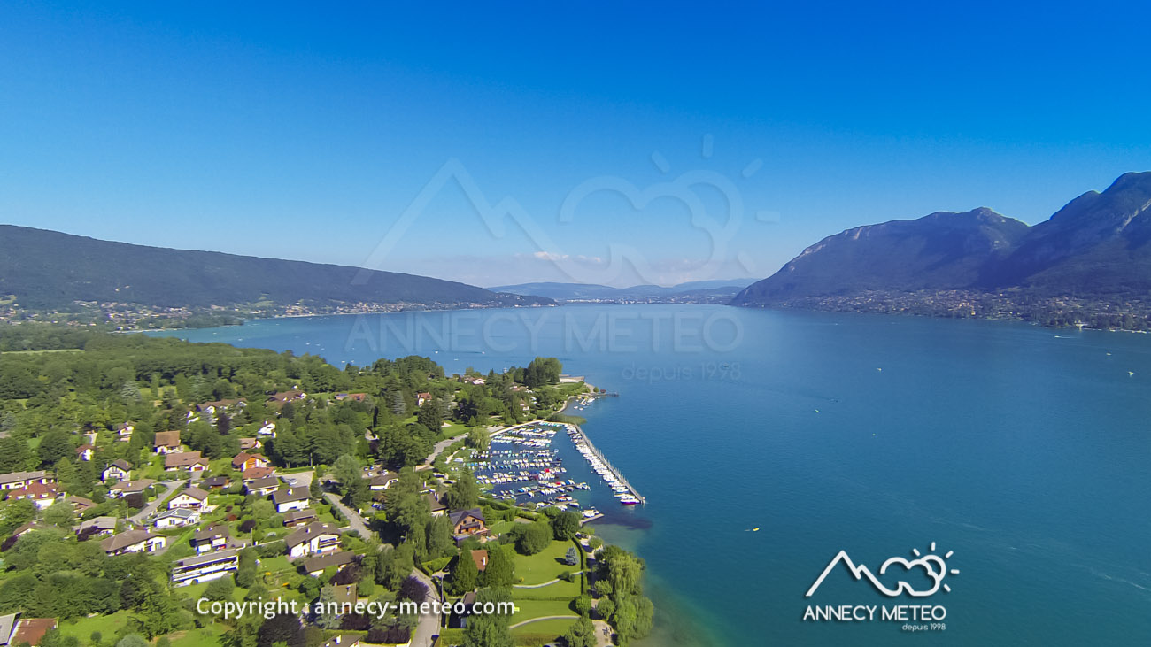 vu du ciel meteo annecy annecy vu du ciel temp rature du lac pr visions 10 jours. Black Bedroom Furniture Sets. Home Design Ideas